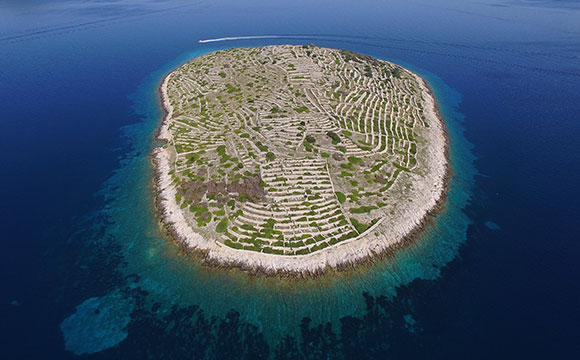 Archipelago Tours Blog and Tips: Islands at your fingertips photo of island of Bavljenac taken from the air