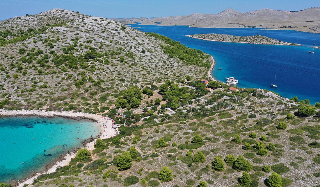 Levrnaka, an island with the famous beach